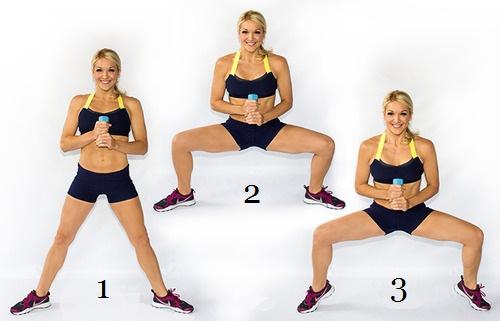 Mujer madura haciendo ejercicio diamante
