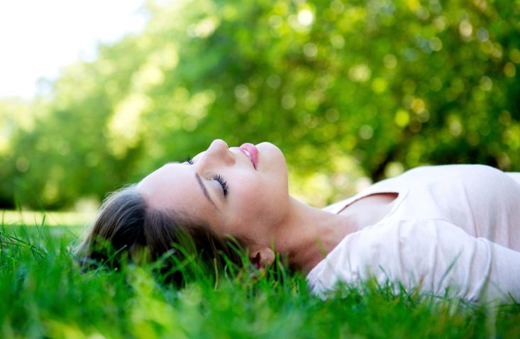 relajarse ayuda a bajar la presión arterial