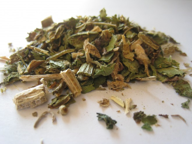 hierbas secas para preparar ungüento