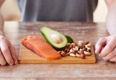 omega 3 aguacate salmón pescado