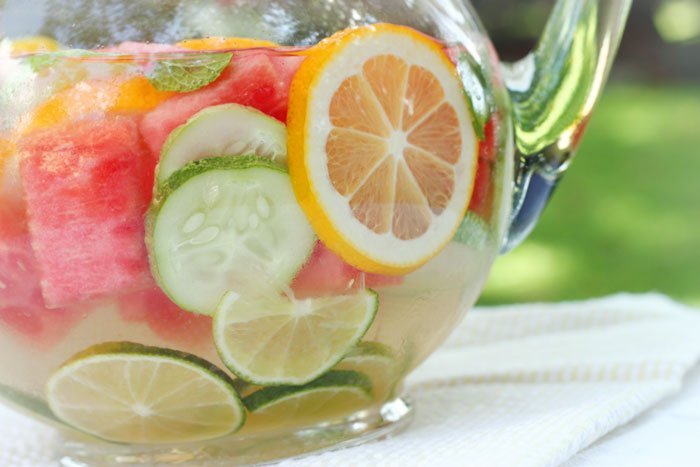 agua vitaminada frutas