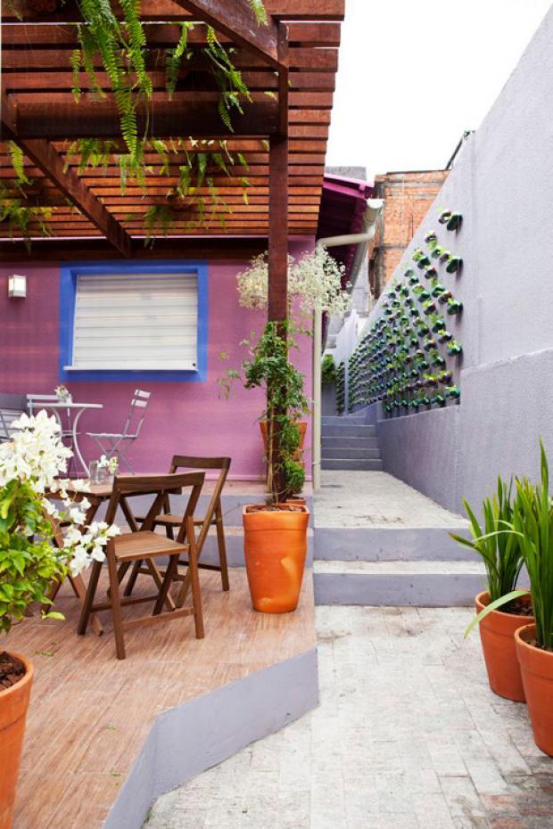 Aprovechando el espacio del patio con el jardín vertical