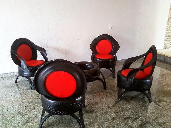 neumático reciclado sillas negras