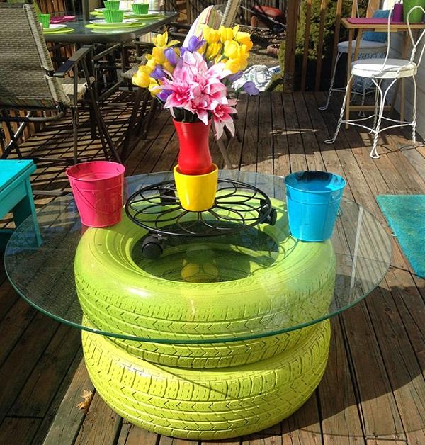 Reciclado de neum ticos para sillas mesas y puffs for Mesas con neumaticos