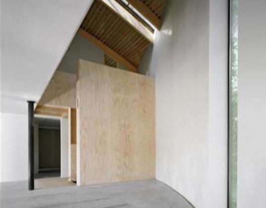 Maravillosa casa verde envuelta en un jardín vertical. - Vida Lúcida