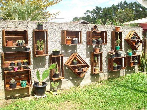 pared decorada con plantas