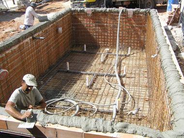 C mo construir una piscina paso a paso vida l cida for Construccion de piscinas con ladrillos