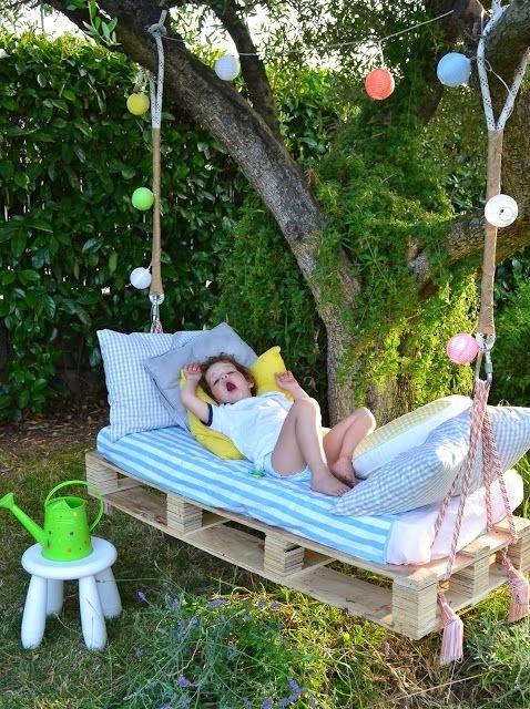50 ideas de muebles para tu hogar hechas con pallet reciclado for Decorar el jardin con cosas recicladas