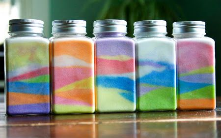 frascos de vidrio con tiza