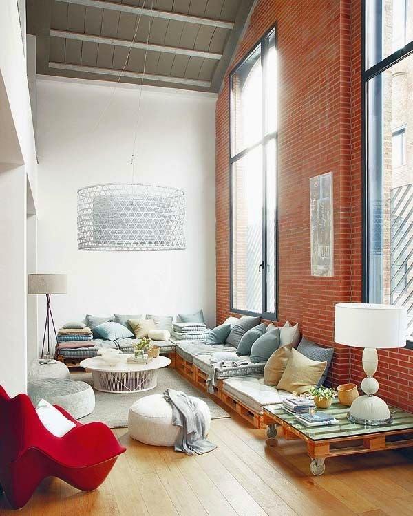 50 ideas de muebles para tu hogar hechas con pallet reciclado for Muebles para sala comedor