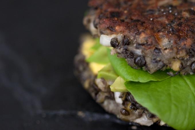 hamburguesas con frijoles negros