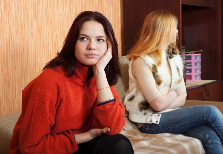 problemas de comunicación entre amigas