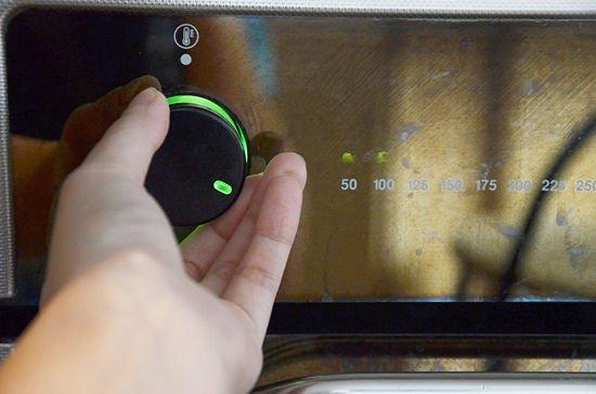 Precalentando el horno para tostar el maní