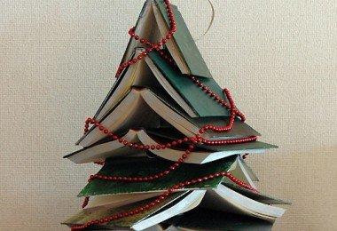 Books-Christmas-Tree