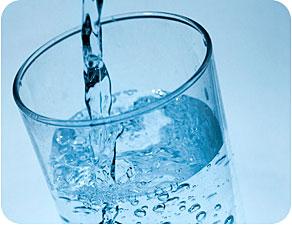 agua para tratar las quemaduras