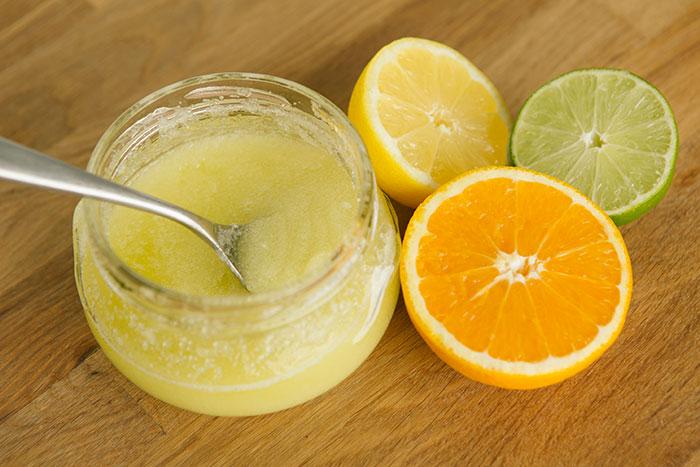 Exfoliante natural con naranja y limon