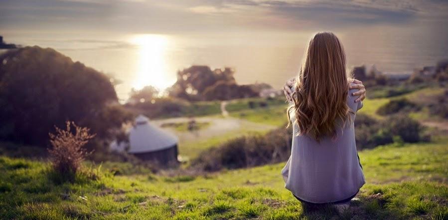 una mujer que vive en soledad
