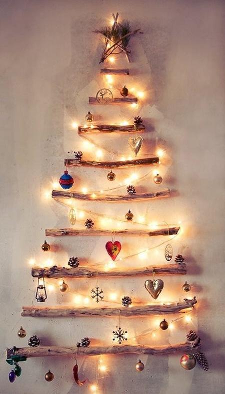 árbol navideño con tronquitos