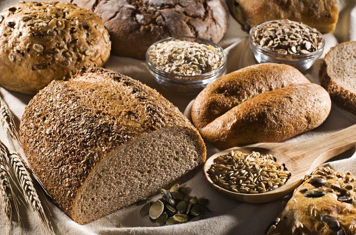 pan con granos enteros mejor que las harinas refinadas