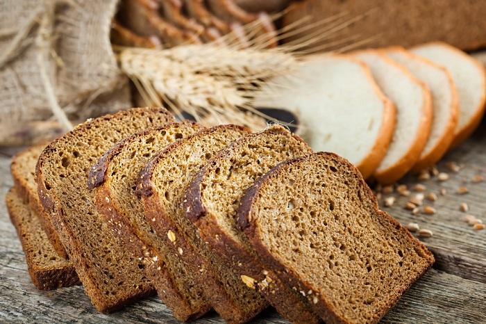 pan de trigo integral o pan blanco