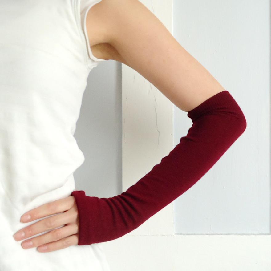 guantes largos reusando sweater