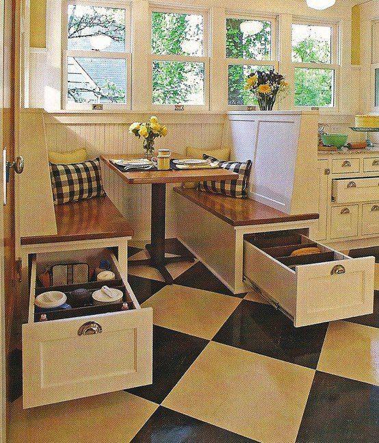 ahorrar espacio en la cocina con cajones adaptadores en bancas