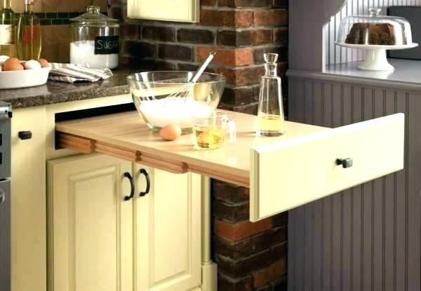 ahorrar espacio en la cocina con cajones desplegables
