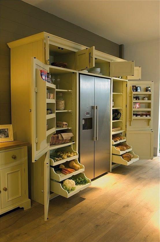 ahorrar espacio en la cocina con mueble multiusos