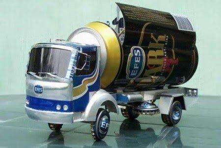 Juguetes con material reciclado camión