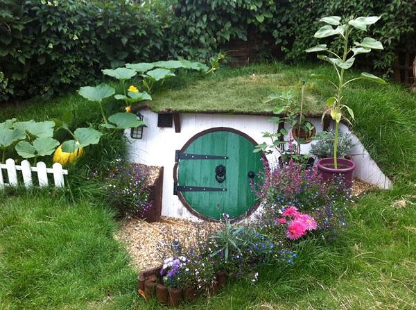 casa hobbit Ashley Yeates terminada