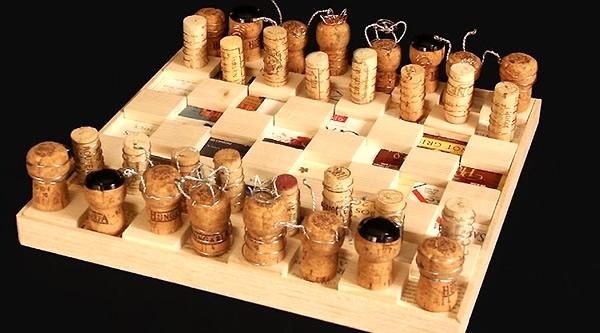 ajedrez de corchos