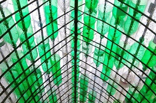 techo de botellas de plástico