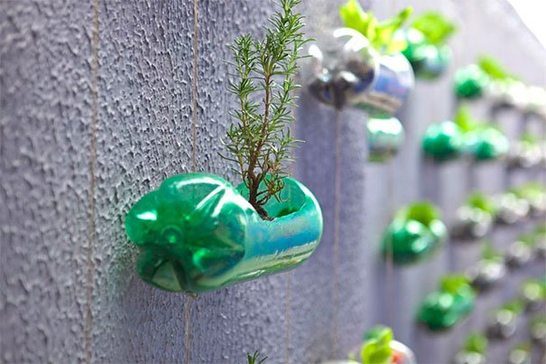 reutilizar botes de plástico