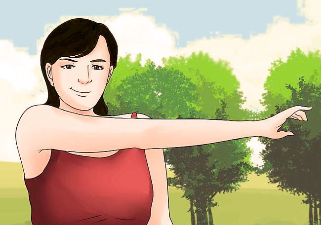 Una mujer joven sin flacidez en los brazos