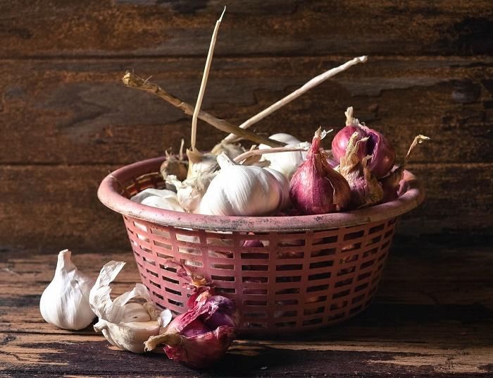 Cómo mantener en buen estado cebollas y ajos por más de tres meses