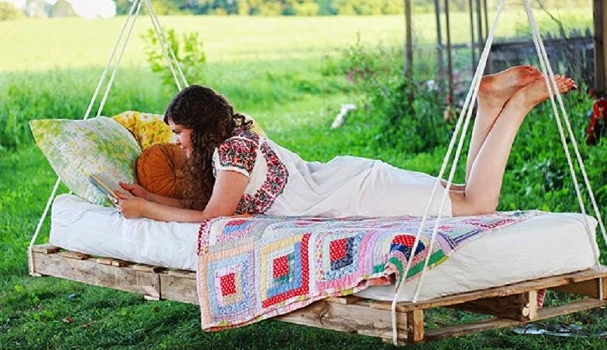 C mo hacer tu cama o hamaca de pallet for Balancines de madera para jardin