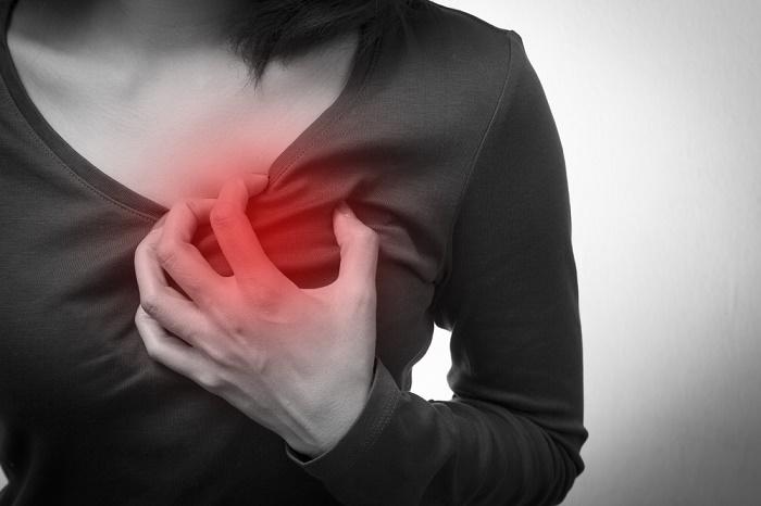 Ataque al corazón mujer