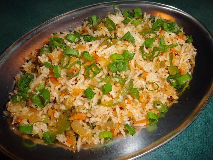 arroz integral frito con verduras