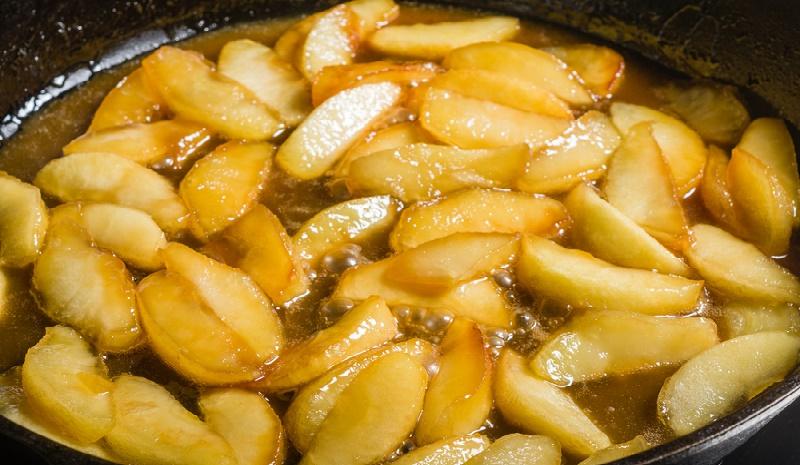 cura con manzanas hervidas
