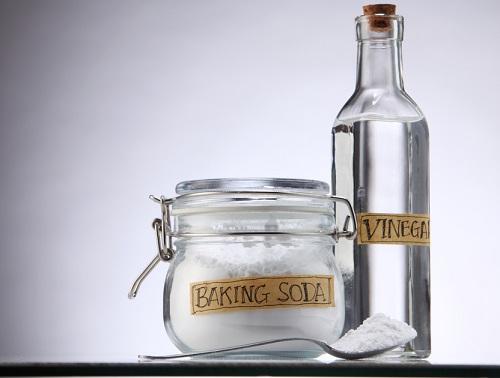 vinagre blanco y bicarbonato