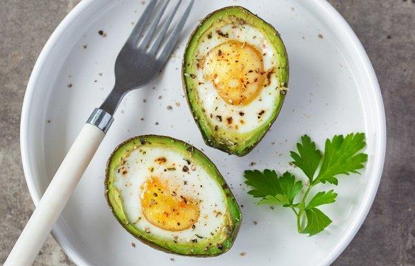 snacks para perder peso aguacate huevo