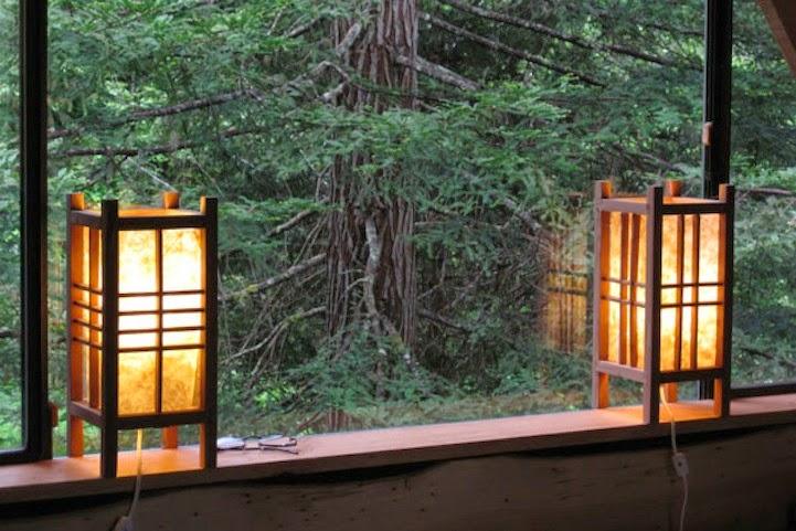 Iluminación oriental en la casa de la selva