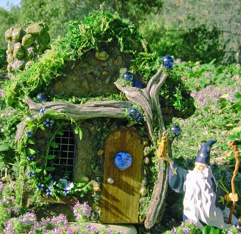 30 ideas para hacer de tus macetas algo m gico for Jardines bonitos para casas pequenas