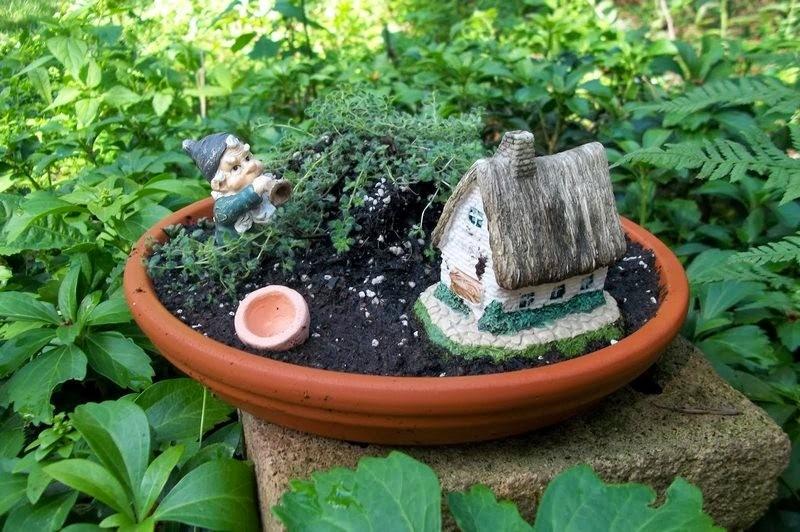 30 ideas para hacer de tus macetas algo m gico for Baldosas para el jardin