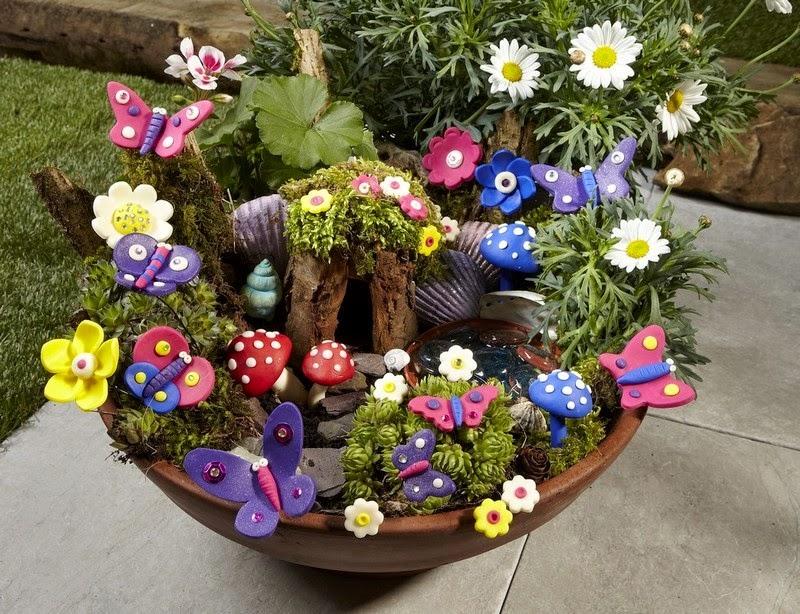 30 ideas para hacer de tus macetas algo m gico for Ideas faciles para decorar jardines