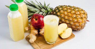 jugo de manzana piña y  jengibre