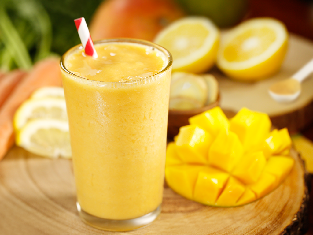 mango-smoothie-with-carrot