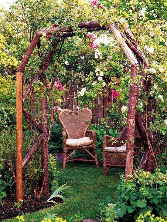 25 ideas de dise os r sticos para decorar el patio for Como decorar un arbol en el jardin