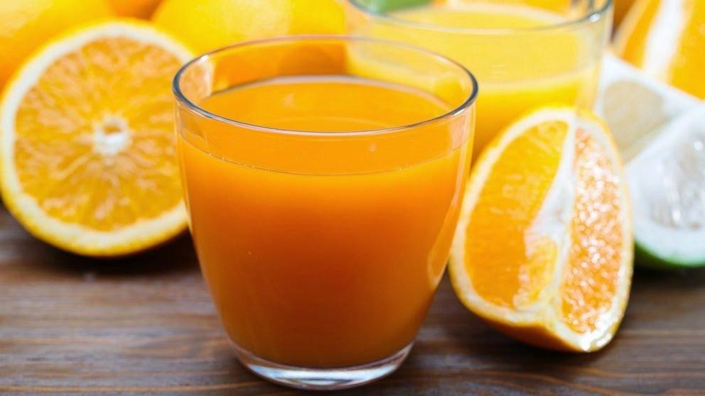 Jugos naturales para desinflamar el vientre naranja