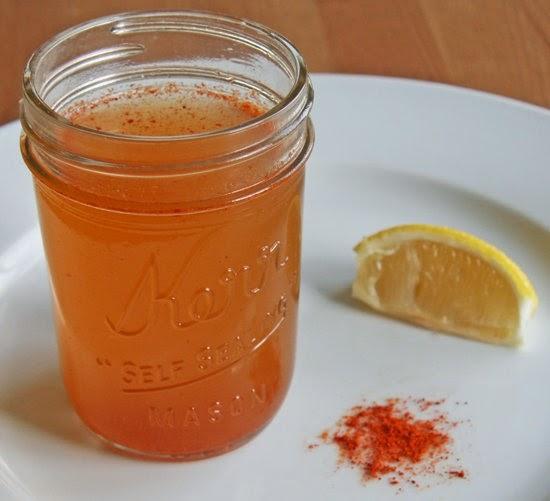 Agua depuradora de Limón y Pimienta de Cayena